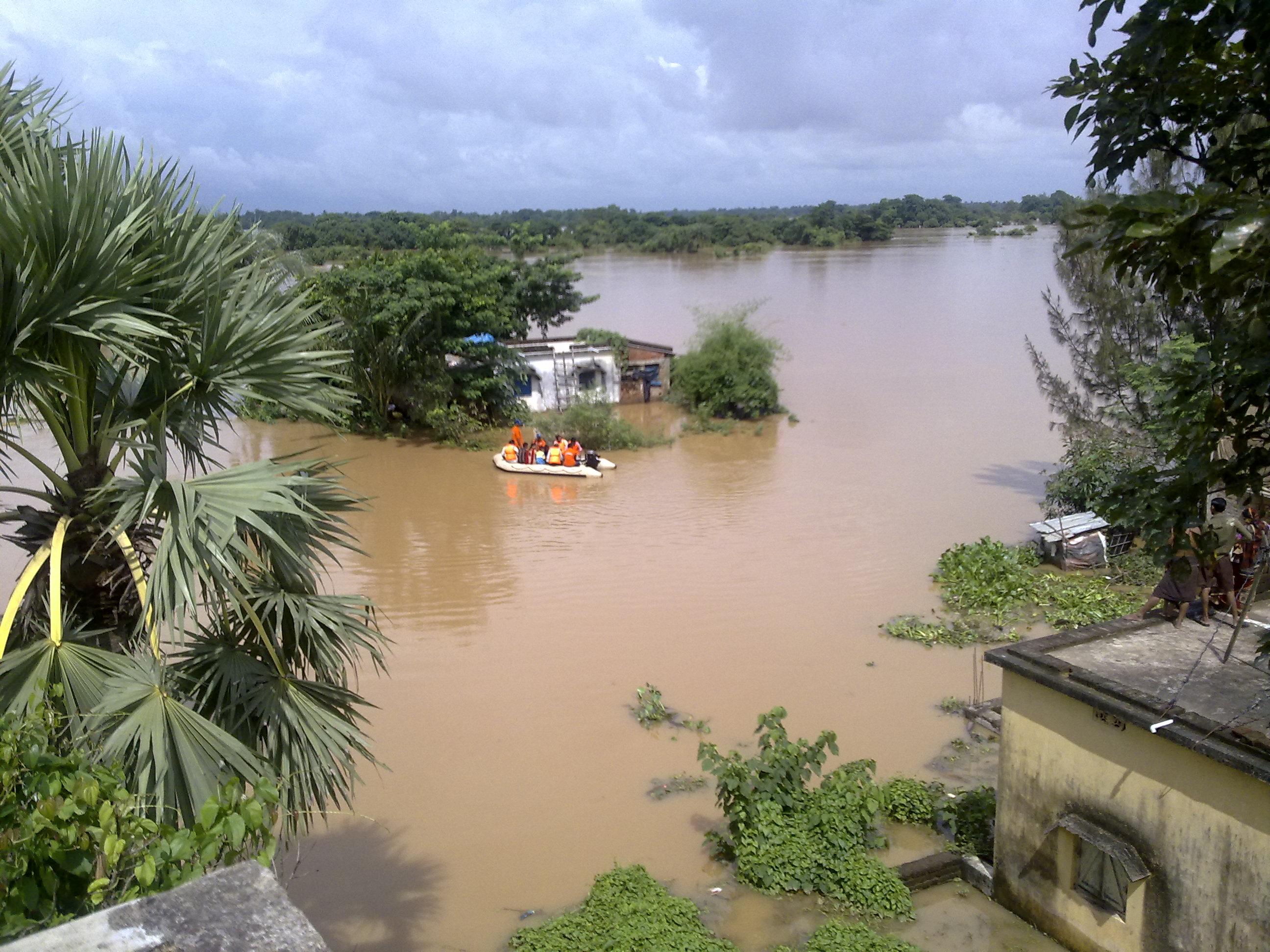 வியத்நாமில் தொடர் கன மழை24 பேர் பலி