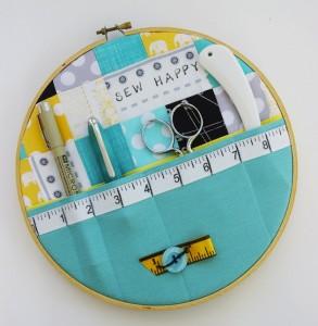 Embroidery-Hoop-Wall-Storage