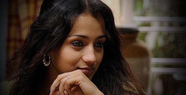 நடிகை திரிஷா பெயரில் 80 போலி வெப்சைட்கள்: அதிர்ச்சி தகவல்
