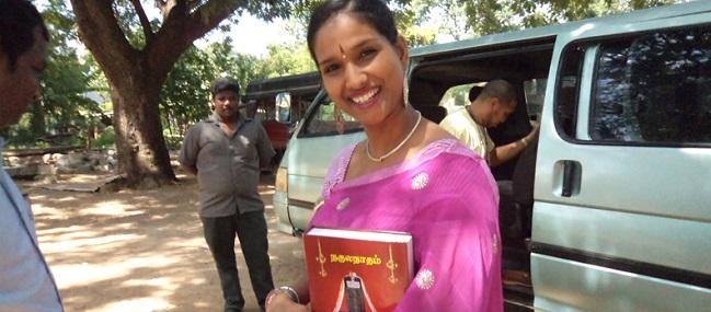 யாழ்ப்பாணத்தில் ராதிகா சிற்சபேசன்