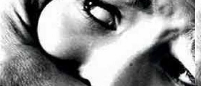 தொடரும் வன்முறை | பாலியல் துஷ்பிரயோகம் செய்த ஆசிரியரை தேடி பொலிஸார் வலைவீச்சு