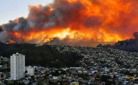 சிலி நாட்டின் தலைநகரில் தீ விபத்து | 16 பேர் பலி