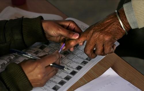 இந்திய மக்களவை தேர்தல் தமிழகத்தில் வாக்குபதிவு தொடங்கியது
