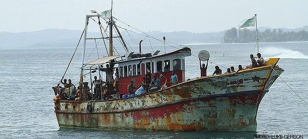 இலங்கை அகதிகள் 157 பேரையும் விசாரணைக்காக கோகோஸ் தீவுக்கு மாற்ற ஆஸ்திரேலிய அரசு ஒப்புதல்