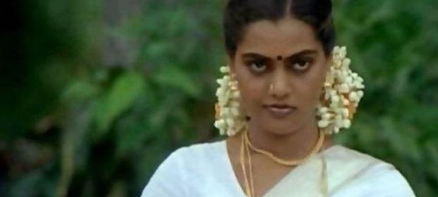 தமிழ் கவர்ச்சி நடிகையாக வலம் வந்த சில்க் ஸ்மிதா வாழ்க்கை மராத்தியில் படமாகிறது