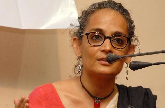 இந்த நூற்றாண்டின் வீராங்கனை பெண் அருந்ததிராய்!