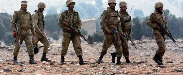 பாகிஸ்தான் தேடுதல் வேட்டையில் 300 பேர் கைது   பாதுகாப்புப் படையினர் அதிரடி