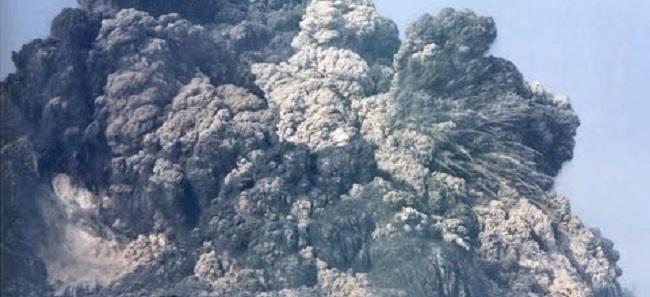 மிகவும் ஆபத்தான கால்புகோ எரிமலை வெடித்தது மக்கள் இடம்பெயர்வு
