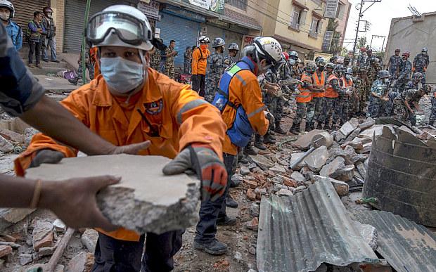 நேபாளம் மற்றும் இந்தியாவில் மீண்டும் ஏற்பட்ட நில நடுக்கத்தில் 67 பேர் பலி