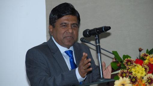 நீதி அமைச்சர் விஜேதாச ராஜபக்ச | கட்டம்கட்டமாகவே தமிழ் அரசியல் கைதிகள் விடுவிக்கப்படுவர்