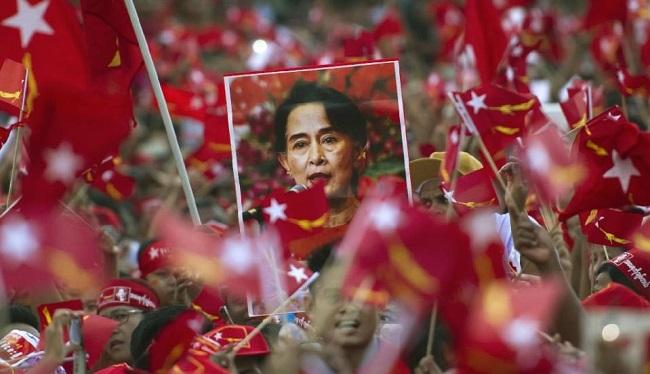 மியான்மரில் வரலாற்று முக்கியத்துவம் வாய்ந்த தேர்தல் | தேசிய ஜனநாயக லீக் கட்சி அமோக வெற்றி