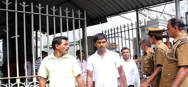 31 அரசியல் கைதிகள் கடுமையான நிபந்தனைகளுடன் பிணையில் செல்ல அனுமதி