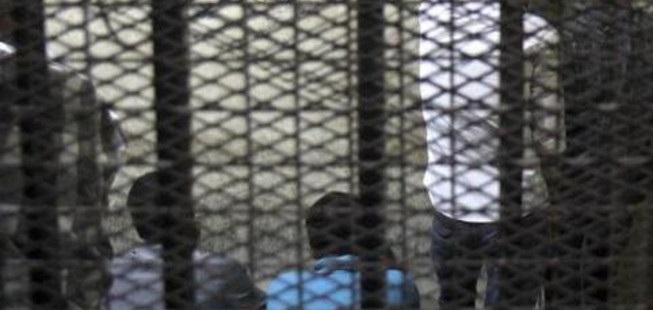எகிப்தில் தீவிரவாதிகள் மீது ராணுவம் அதிரடி தாக்குதல் 25 பேர் கைது