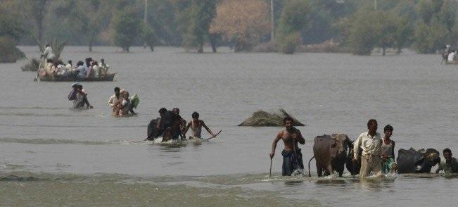 பாகிஸ்தானில் வெள்ளநீரில்,  நிலச்சரிவில் சிக்கி 57 பேர் பலி
