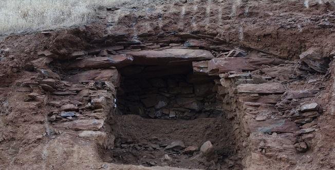 2400 ஆண்டு கால பழமையான மத்திய கிழக்கு மன்னன்கல்லறை