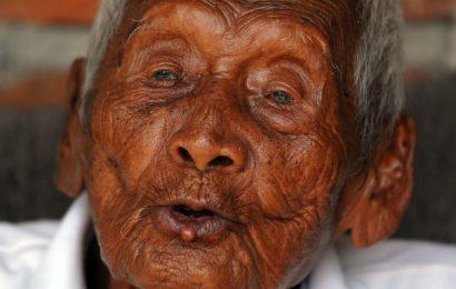 உலகின் மிக வயதான மனிதர் மரணம் | இந்தோனேஷியா