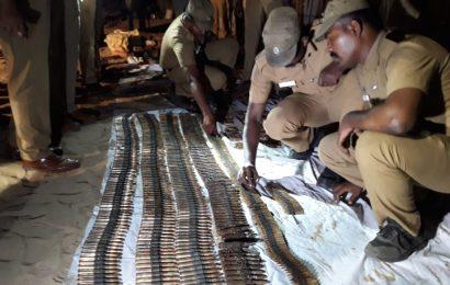இந்தியா ராமேஸ்வரம் பகுதிகளில் விடுதலை புலிகள்  அமைப்பின் ஆயுதங்கள் மீட்பு!