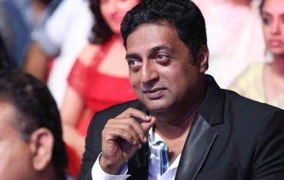 'சினிமாக்காரர்கள் கறுப்புப் பணம் வாங்குவதை நிறுத்த வேண்டும்' | பிரகாஷ் ராஜ்