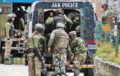 ஜம்மு காஷ்மீர் பயங்கரவாத தாக்குதல்; 5 CRPF வீரர்கள் பலி!