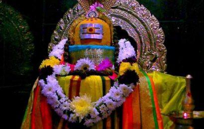 குன்றின் மீது கோயில் கொண்ட சுக்கம்பட்டி உதயதேவரீஸ்வரர்.