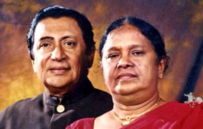 பிரபல சிங்களப் பாடகி இந்திராணி சேனாரத்ன காலமாகியுள்ளார்.