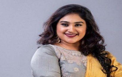 பிக்பாஸ் வீட்டிற்குள் போலீசார் : பிரபல நடிகை கைதா?