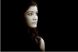 அதிவேக மின்னலாய்ச் செல்கிறாய்! | கவிதை | வை.கே.ராஜூ