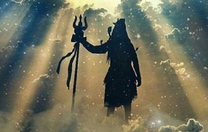சிவலோகத்தை பாதுகாக்கும் நந்திபகவான்.